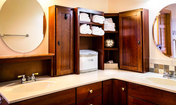 an example of clever and stylish bathroom storage